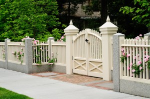 Options for Locking Your Gate